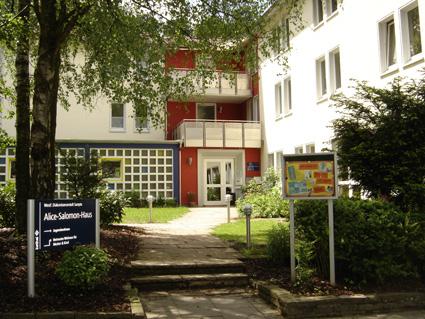 Au�enansicht Alice-Salomon-Haus Eingang