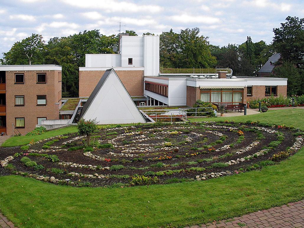 Haus der Stille - Garten mit Labyrinth